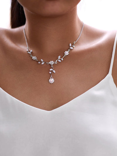 Rhinestone Flower Design Pendant Necklace - Necklaces