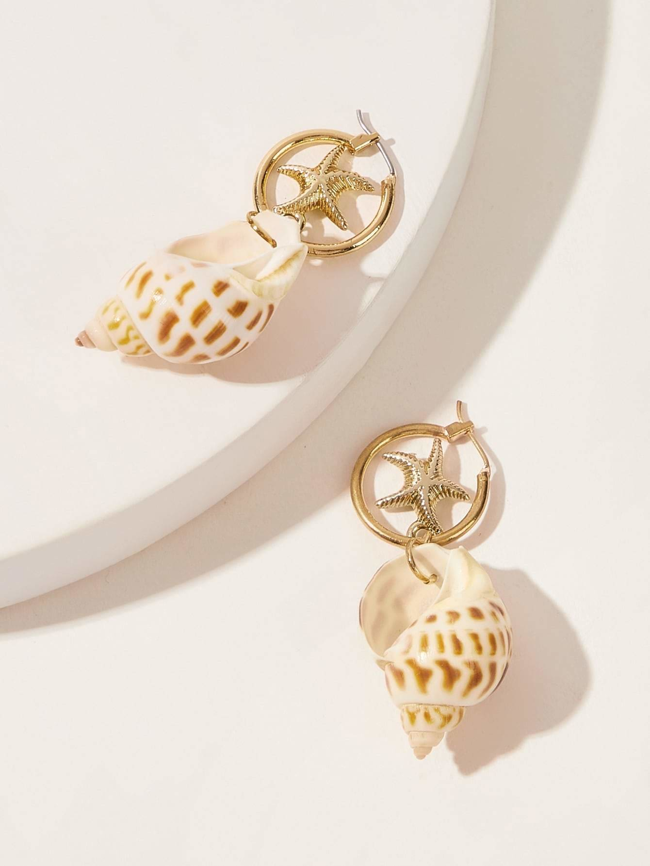 Shell Shaped Drop Earrings 1pair