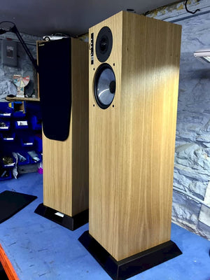 Graham Audio Chartwell LS5/9f Floorstanding Speaker, chartweel speakers,Graham Audio Montreal, Graham Audio floorstanding, Graham Chartwell loudspeakers, Swisstone LS3, Speaker Montreal, Art et Son Speakers, Graham Audio or Rogers, Art et Son Montreal, Montreal Audio,