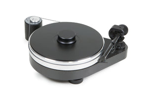 Carbon black Project turntable. RPM series , model RPM 9 carbon.Black finish turntable with a carbon base in triangle shape