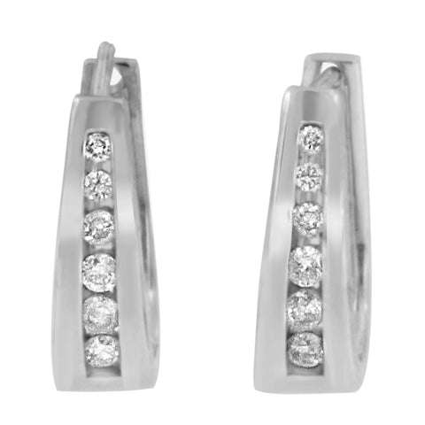14k White Gold 1/2ct TDW Round-cut Diamond Huggy Earrings (I-J I2-I3)