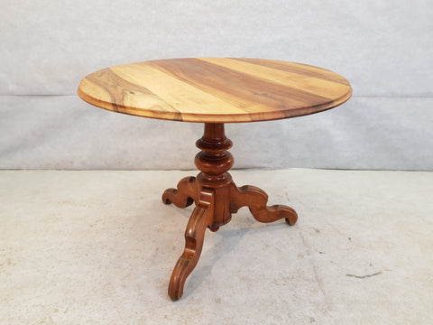 French Solid Round Single Pedestal Walnut Bistro Queen Anne Dining Table