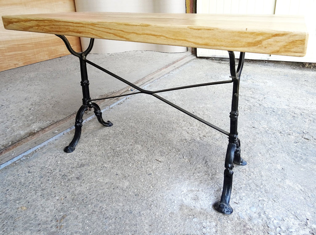 Handcrafted Reclaimed Pine Wood Solid Industrial Dining Table cast Iron Legs