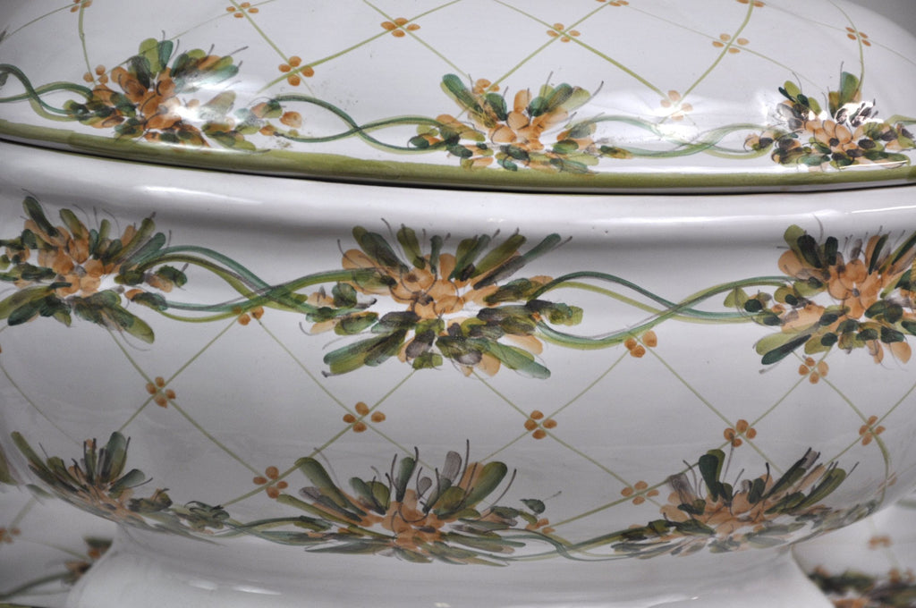 Hand-Painted Amapola Floral Pattern Soup Tureen and Stand Auteur Signed