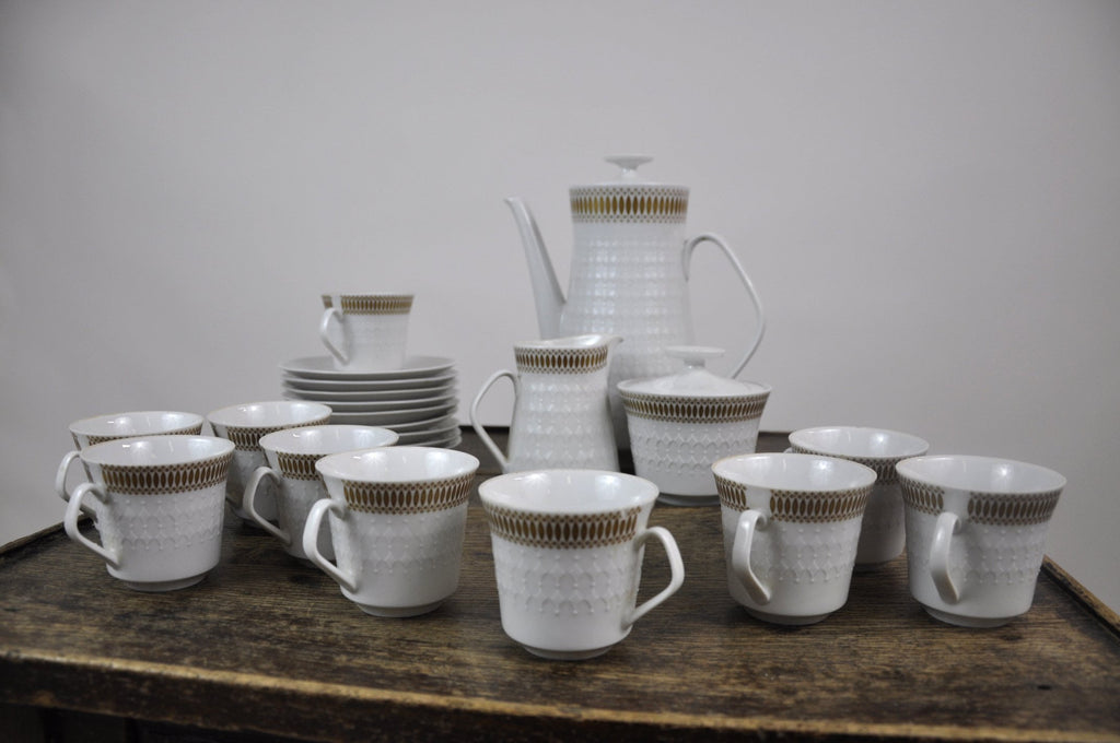 Winterling Marktleuthen Bavaria Mid-Century Modern Embossed Diamonds Coffee Pot Porcelain 23 pieces Set