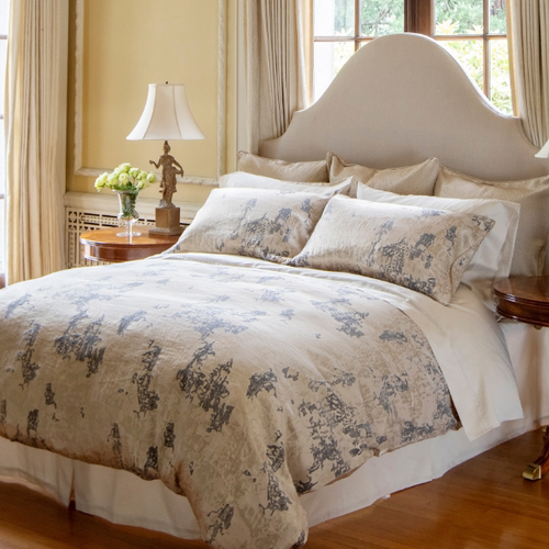 Oro Bedding Collection