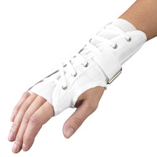 BACK OF REVERSIBLE CLOTH WRIST SPLINT