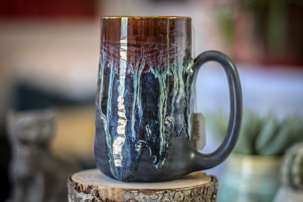 16-D New Wave Notched Textured Mug, 16 oz.