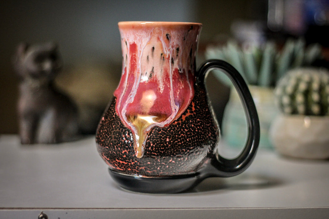 04-B Coral Mountain Lava Flared Acorn Mug - MISFIT, 21 oz. - 20% off