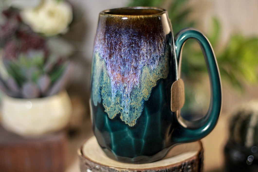12-D Electric Wave Notched Crystal Mug, 15 oz