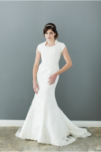 Style: WL5116 Modest slim fitted wedding dress