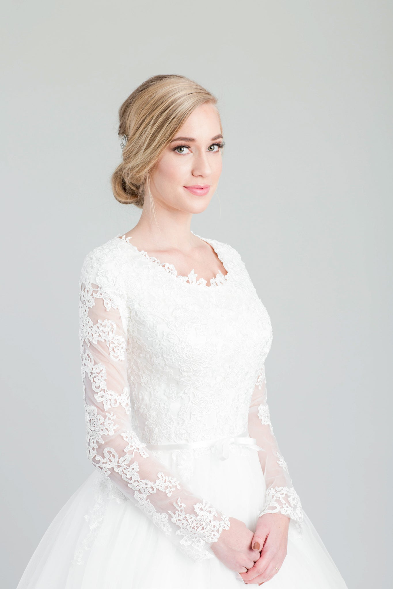 Style: WL5327 Modest lace wedding  ball gown