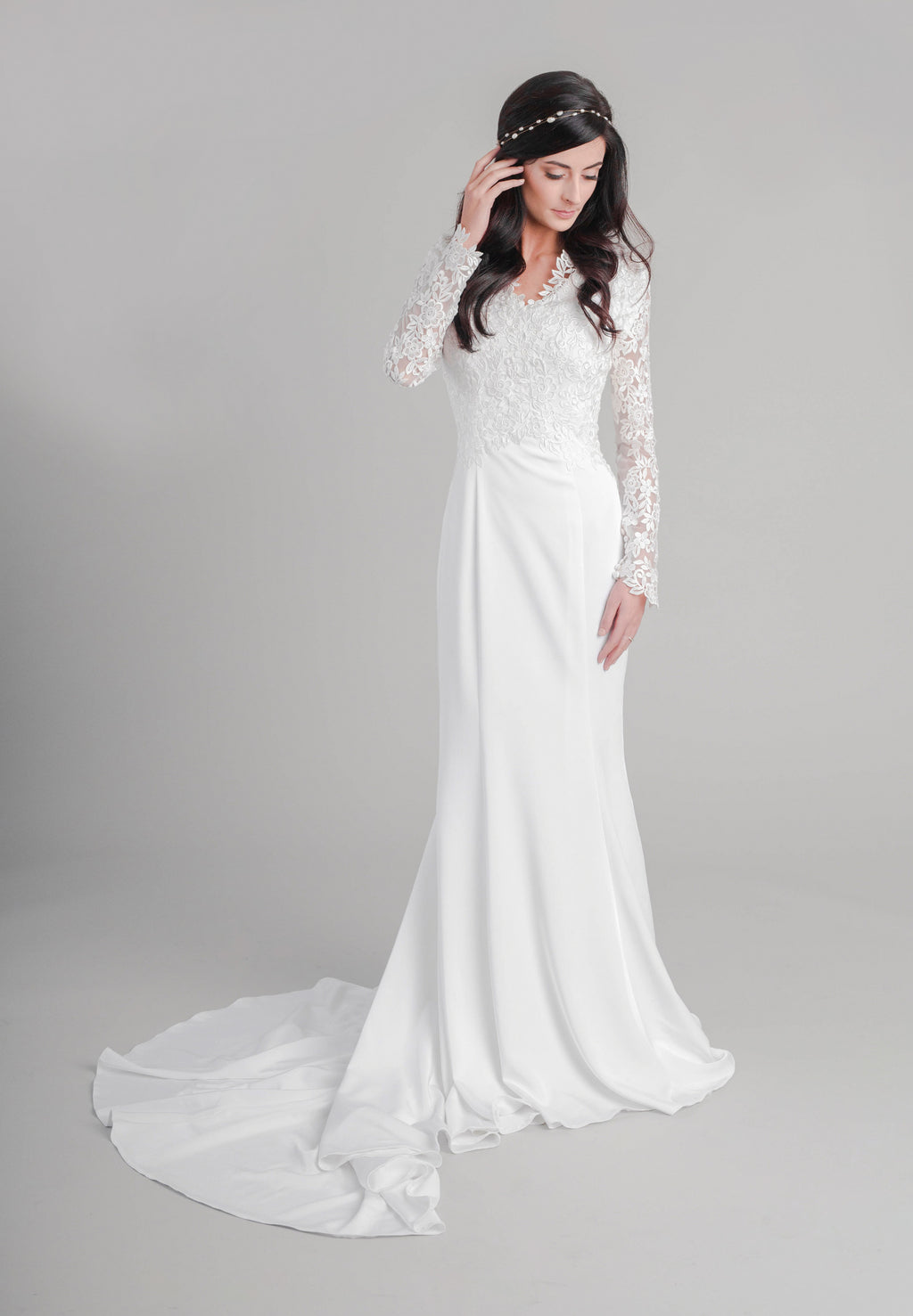 Style: WL5356 Romantic modest lace dress