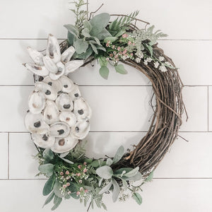 Oyster Pineapple Wreath