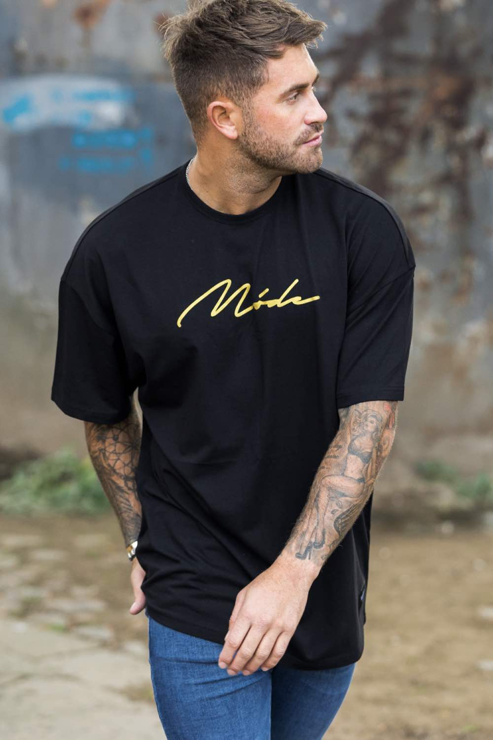 Mode London  Oversized Script T-Shirt - Black/Gold - 1