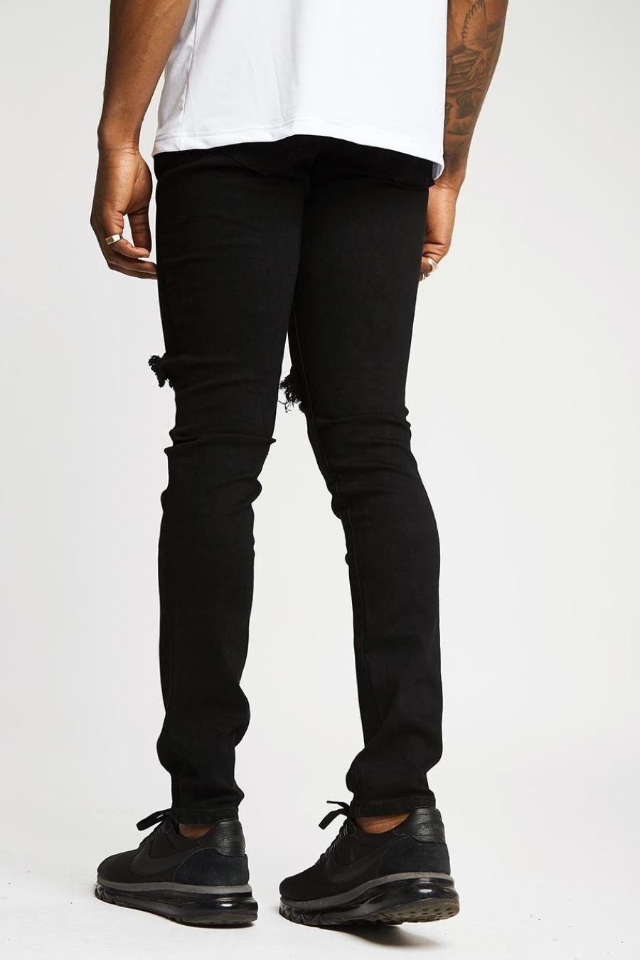 Section Clo Knee Rip Jeans - Black - 1