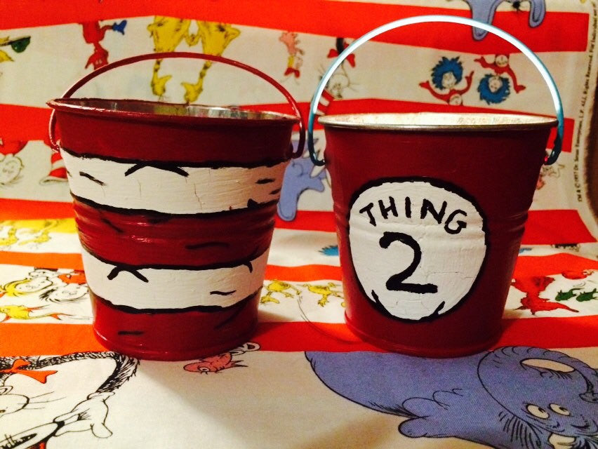 Dr. Seuss inspired outdoor table decor citronella candles