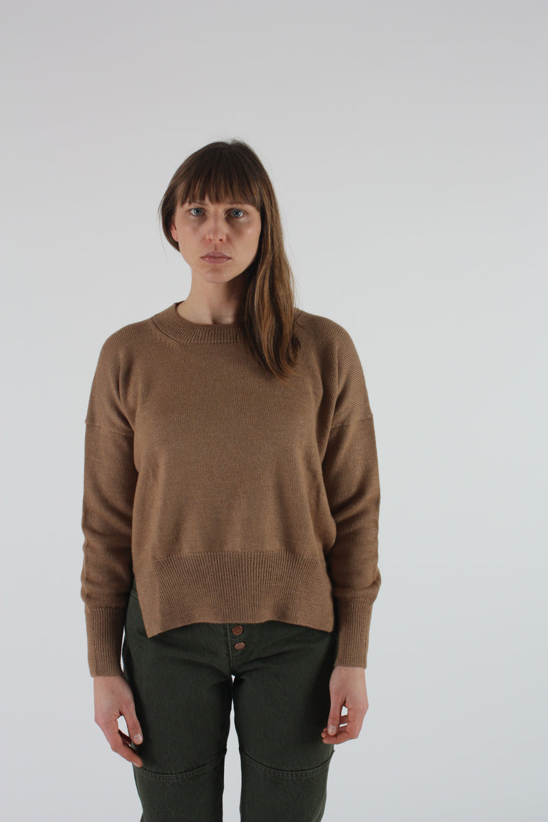 Simple Crewneck Camel