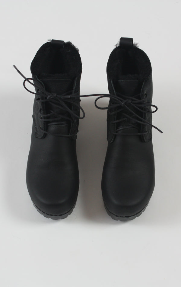 Lander Lace Up Shearling Boot on Mid Tread Double Black Aviator