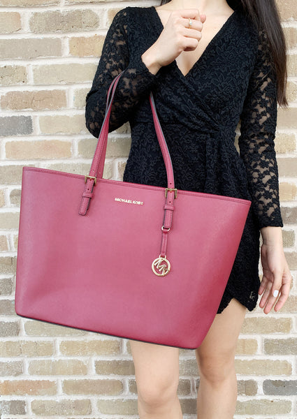 a70ec3ad31 ... Michael Kors Jet Set Large Multifunctional Carryall Tote Mulberry ...