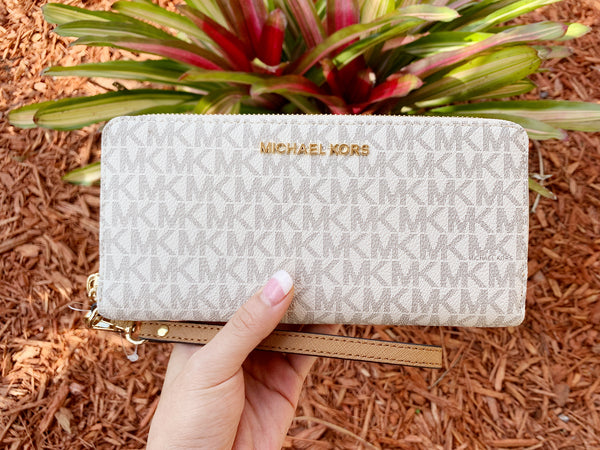 Michael Kors Jet Set Travel Continental Wallet Long Vanilla Signature MK - Gaby's Bags