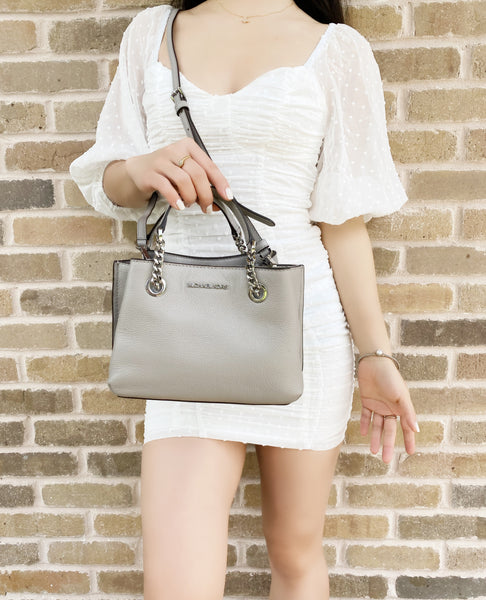 Michael Kors Teagen Small Messenger Crossbody Pebble Leather Pearl Grey