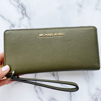 Michael Kors Jet Set Travel Continental Long Wallet Wristlet Duffle Green Pebble