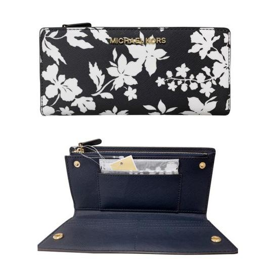 Michael Kors Jet Set Large Card Case Carryall Wallet Navy Floral - Gaby's Bags