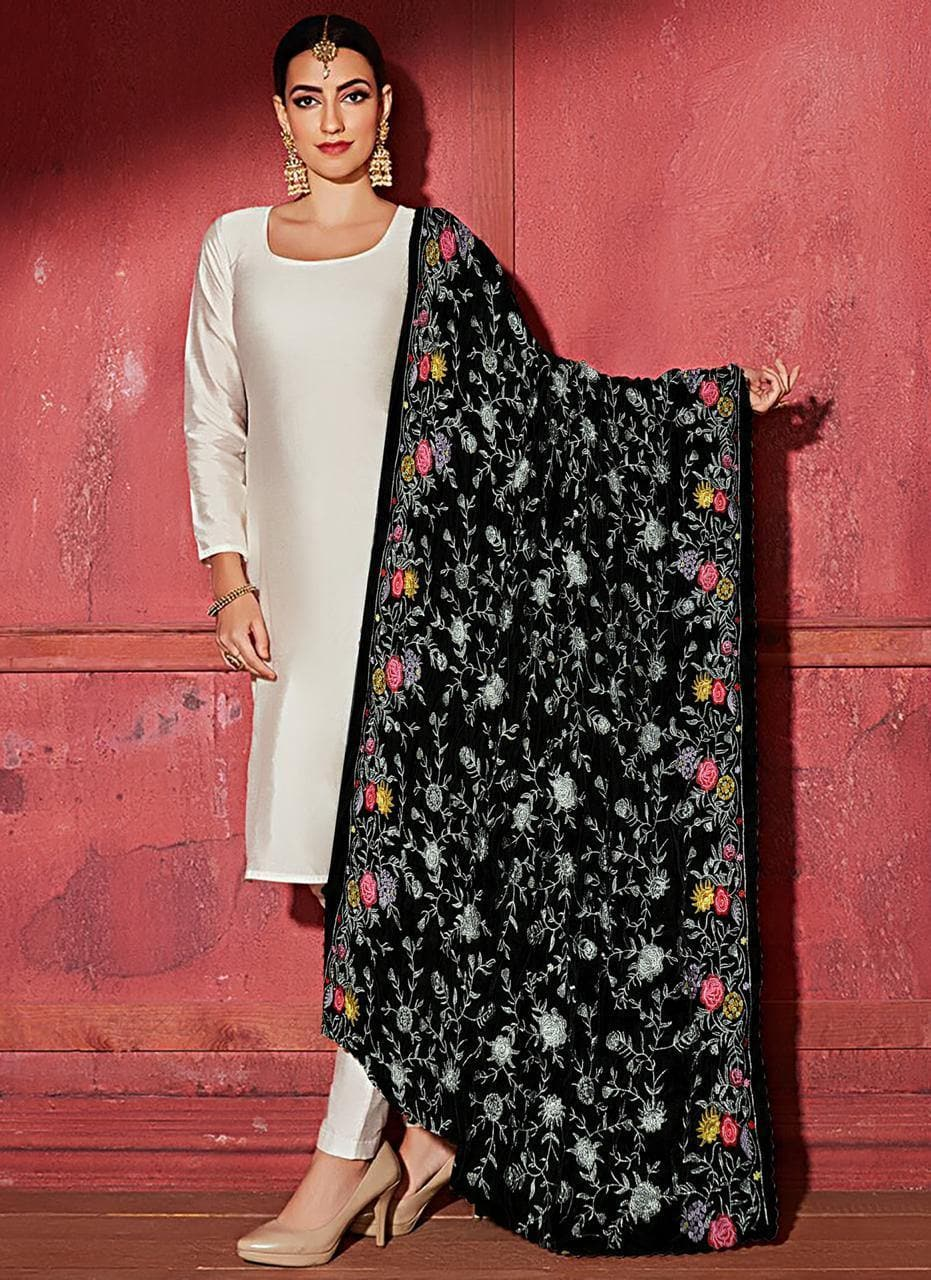 Bareeze BRS-06 Black  Embroidered Heavy Velvet Shawl Winter Collection