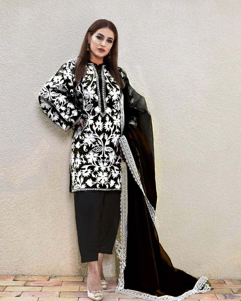 Sadia Noor NS-142 Black Lawn Three Piece Suit Summer Collection