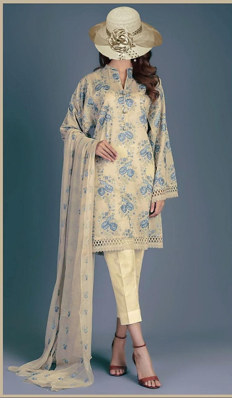 Maria B MB-17 Embroidered Three Piece Lawn Collection