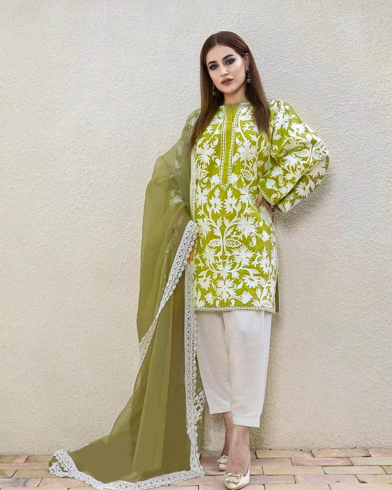 Sadia Noor NS-142 Pista Linen Three Piece Suit Winter Collection