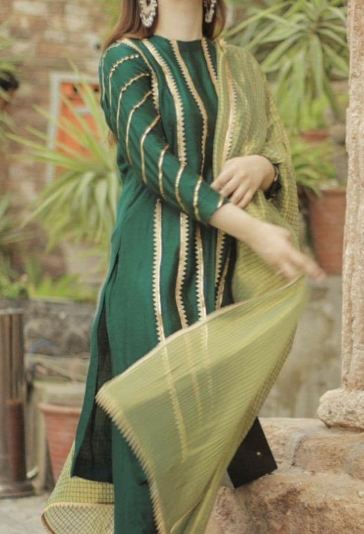 Zainab Chotani ZC-485 Green Embroidered Three Piece Linen Collection