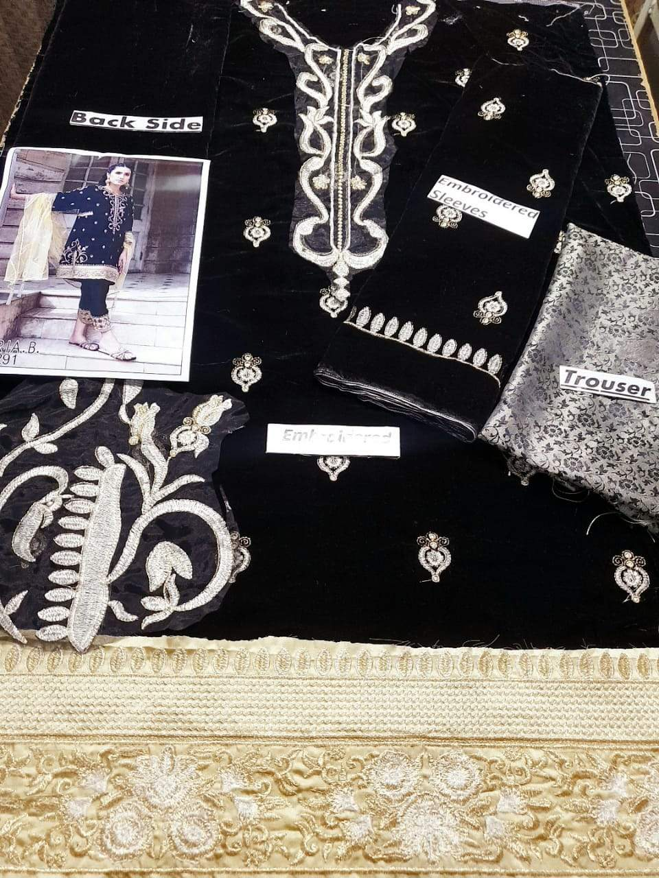Iznik D-291 Black Color Embroidered Velvet two piece Winter Collection