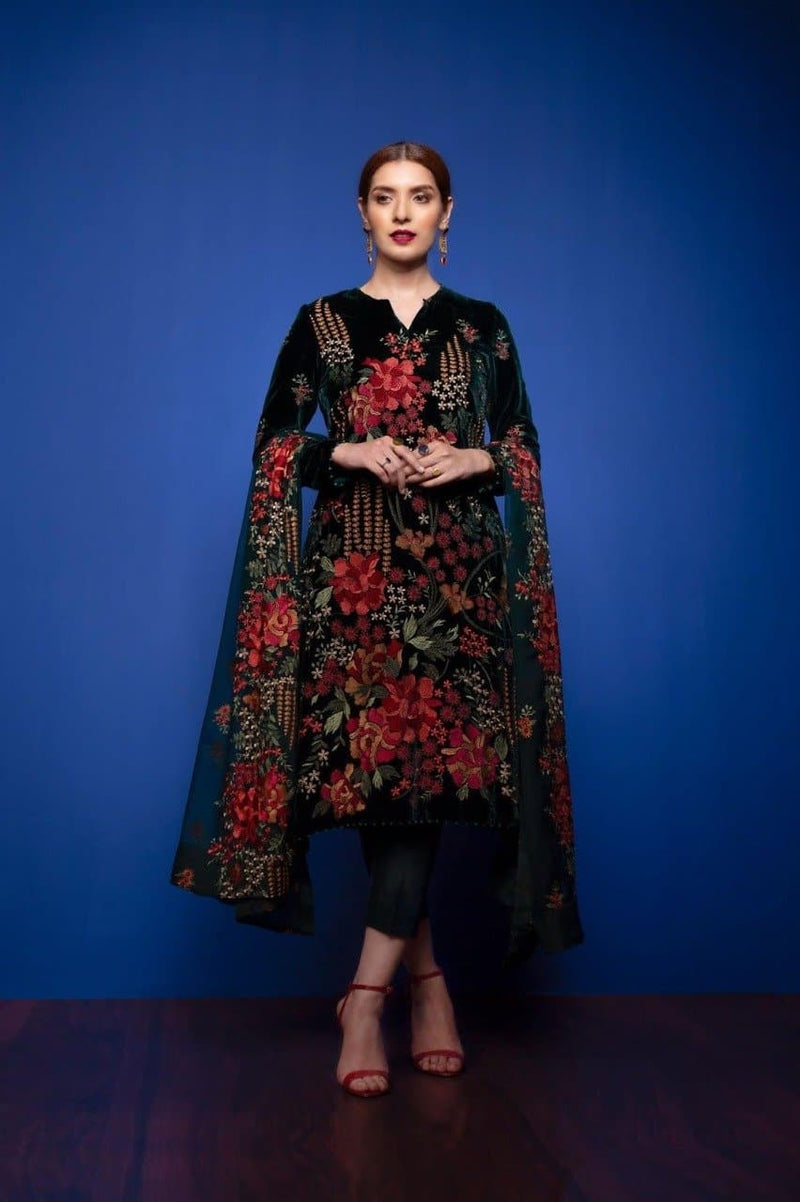 Bareeze BR-Black Eid Collection Embroidered Linen Three Piece winter Collection