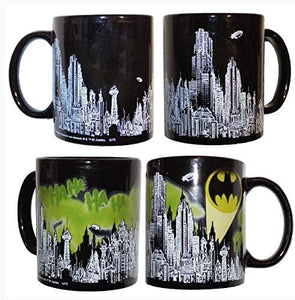 BOX DAMAGED - Batman Skyline Color Changing Heat Changing Logo Mug