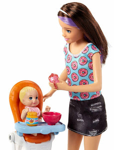 Barbie FHY98 FAMILY Babysitter Brunette Doll with Baby, Highchair Playset,