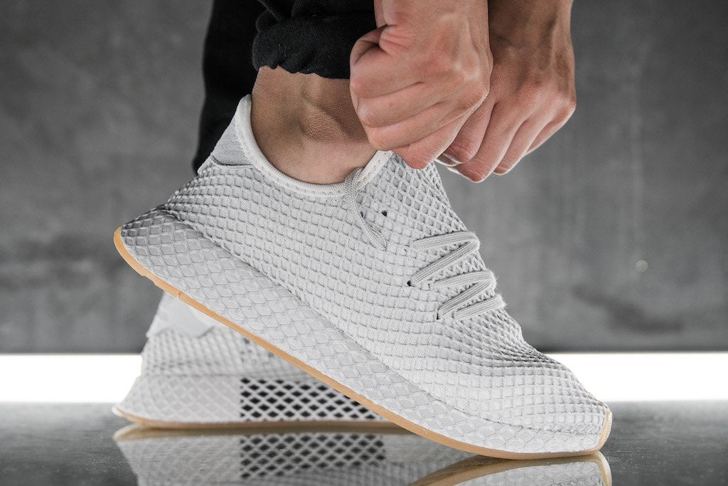 cheap for discount 1f873 c261f How To Style adidas Original Deerupts