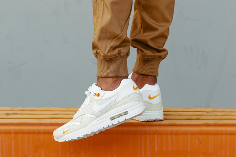 nike air max 1 premium white kumquat