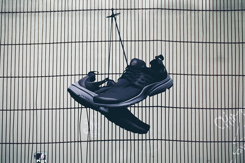 Nike Air Presto Essential Black/Dark Grey