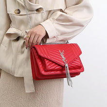 Women's chain bag