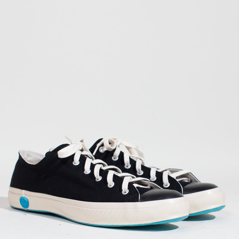 Shoes Like Pottery - Black Low Top Canvas Sneaker