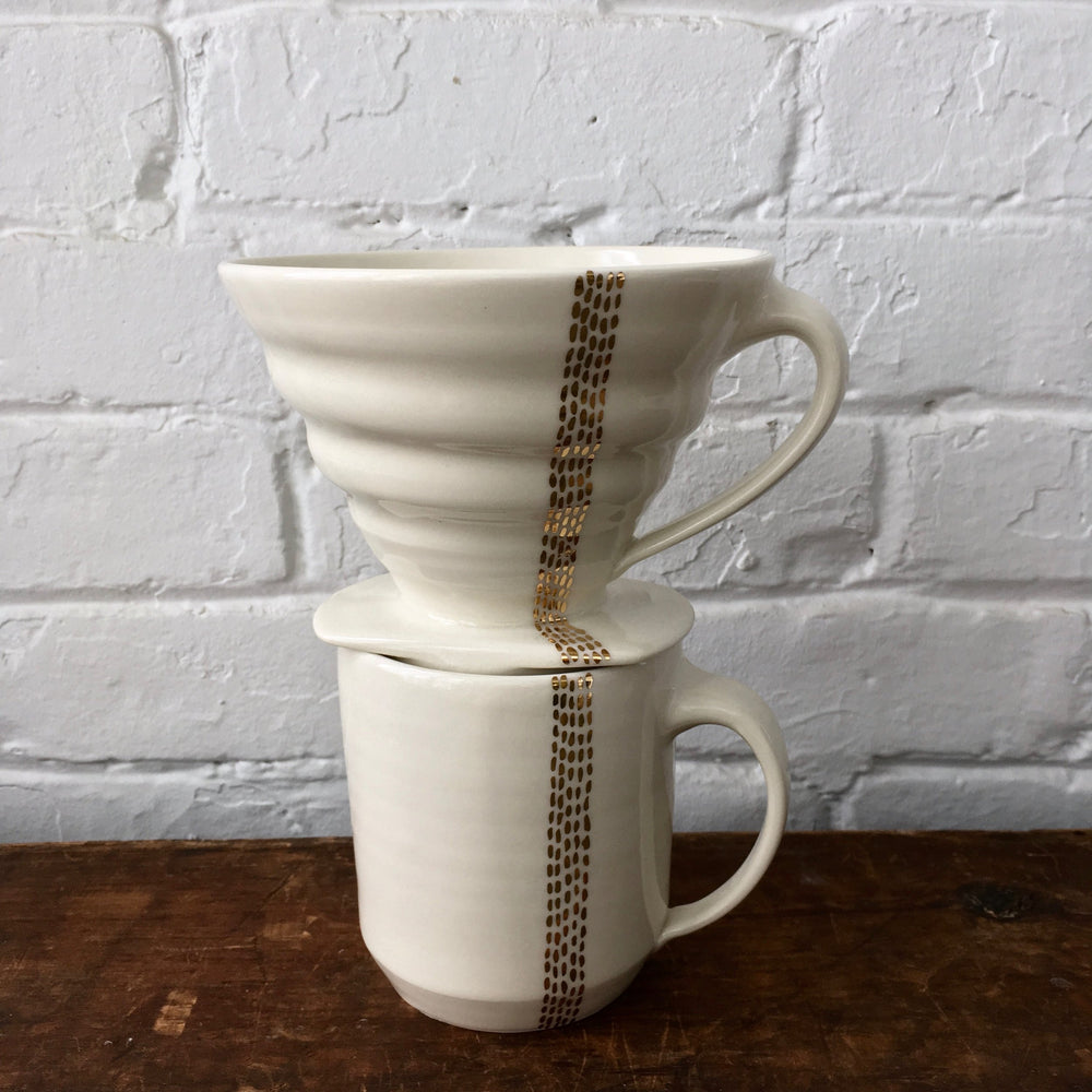 Ceramic Mug With Gold Lines
