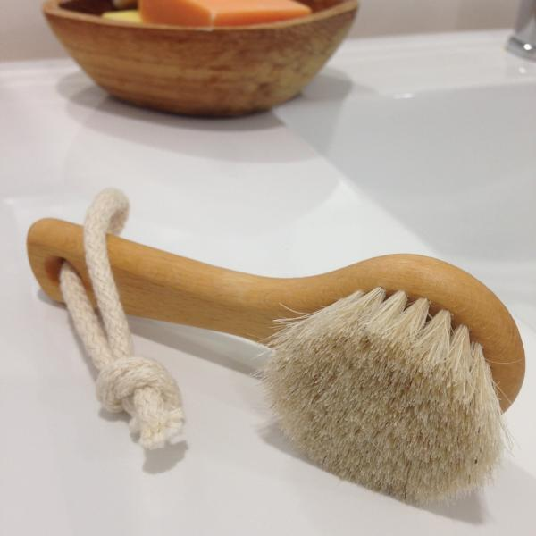 Natural wooden face and body brush