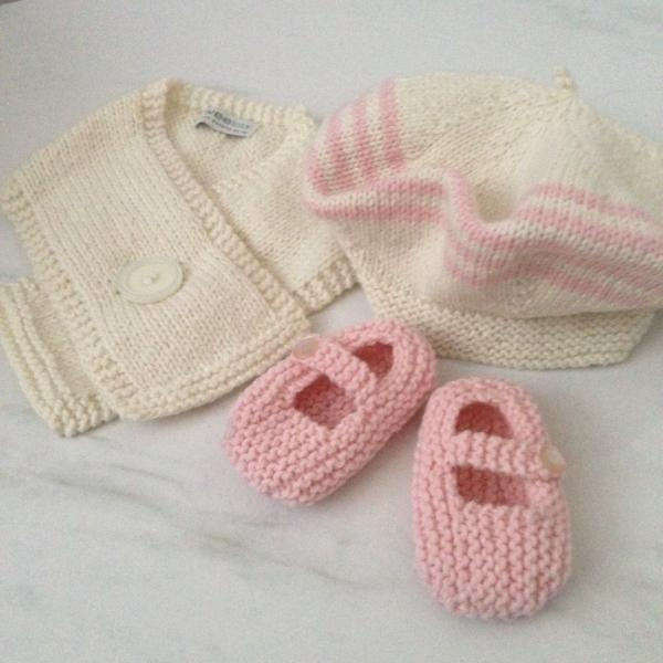 Knitted Baby Merino Beret Scarf Mary Jane Shoe Gift Set Pink
