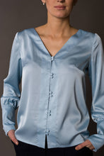 Load image into Gallery viewer, Blue long sleeve button up blouse