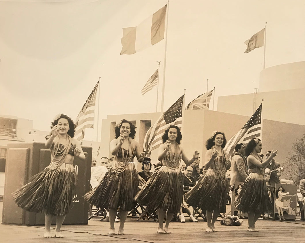 Vintage Hula Girl Photograph From The Worlds Fair In New York