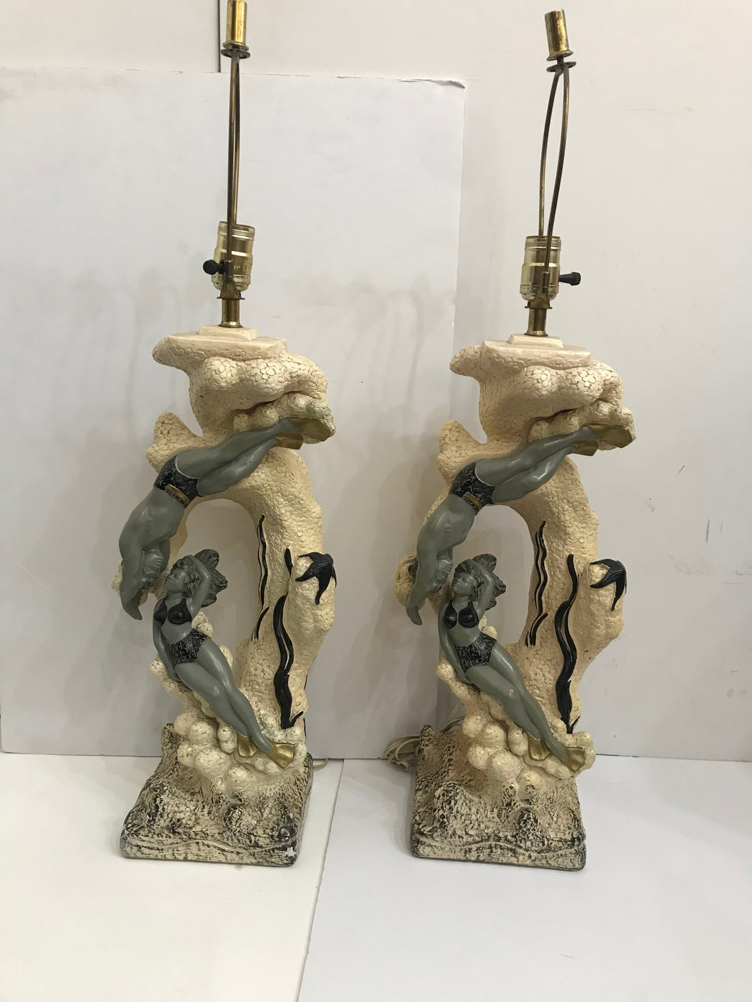 1950's Vintage Pair Of Jo Wallis Chalk Hawaiian Hula Undersea Lamps