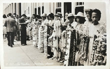 Vintage Real Photo Post Card Of Lei Vendors, Hawaii