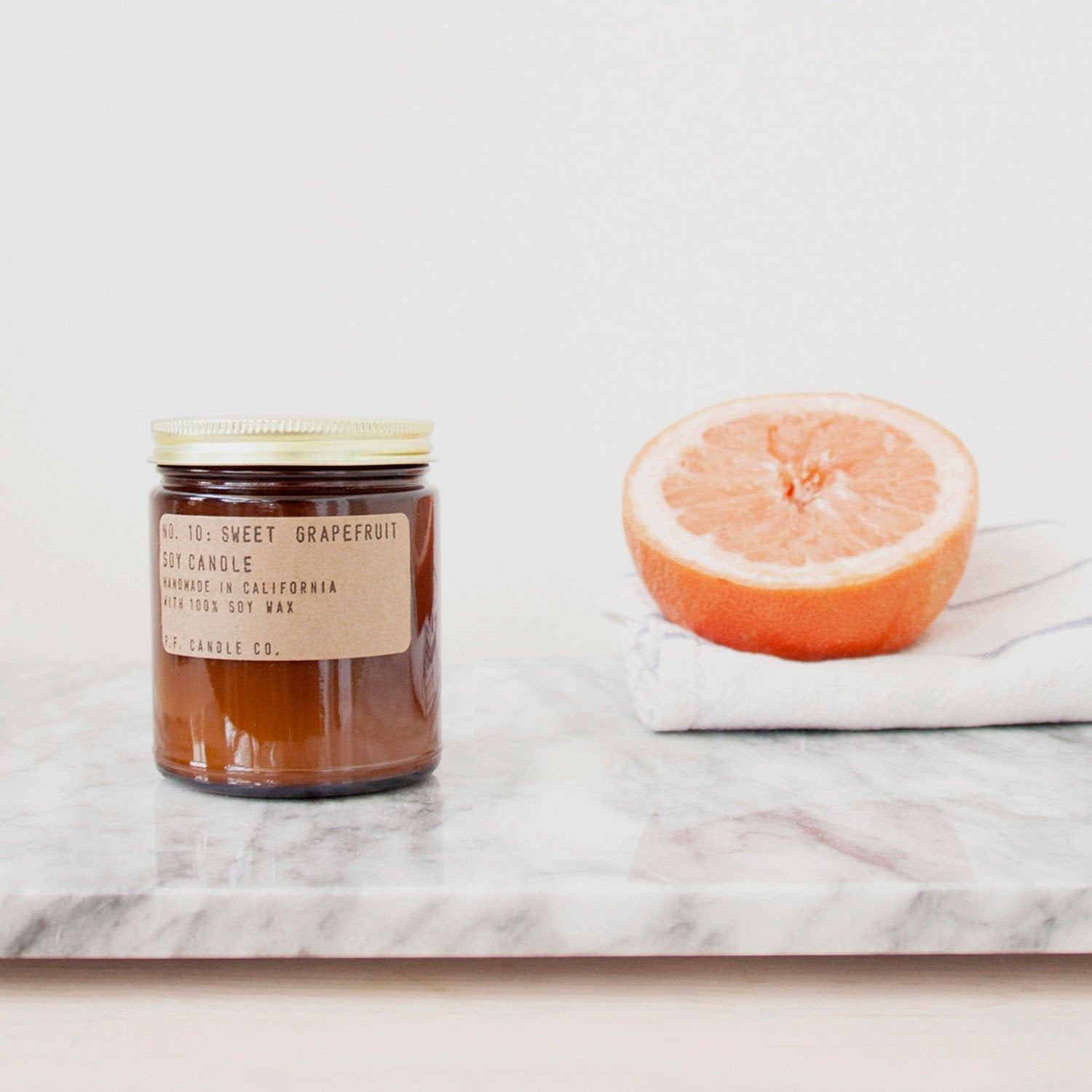 p.f. candle co - sweet grapefruit